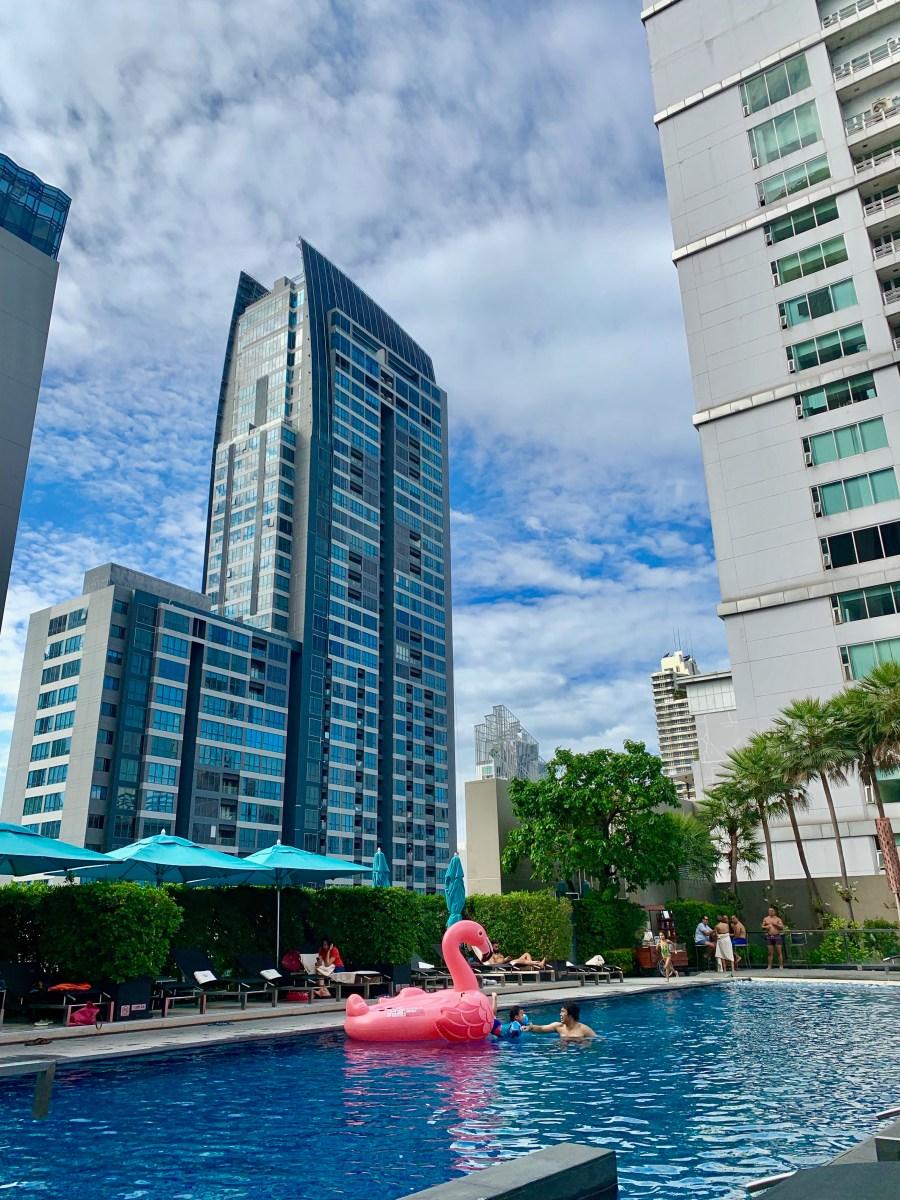 Weltreise: Bangkok Hotel Sofitel Sukhumvit-Pool