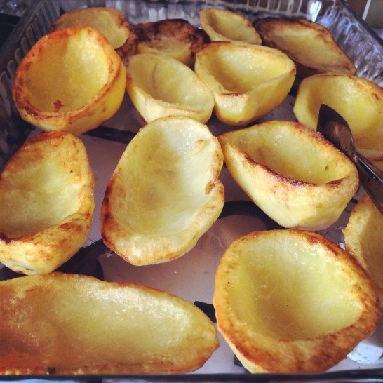 When the potatoes are done put them in an ovenproof dish. Now you know what to do :)