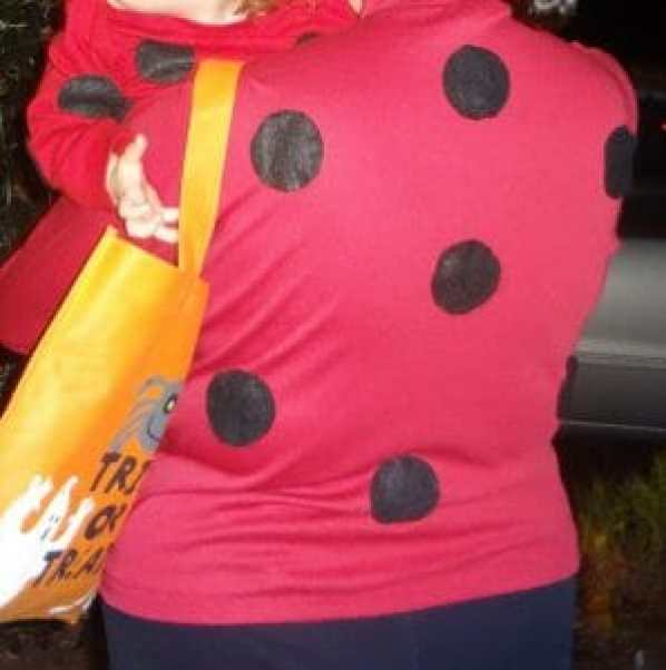 matching mama-and-baby DIY ladybug costumes - easy-peasy!