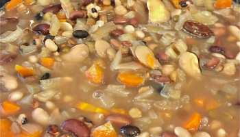 French Market Soup Mix is an easy kid-friendly homemade gift idea, and French Market Soup is the perfect hearty winter soup, as easy as it is tasty.