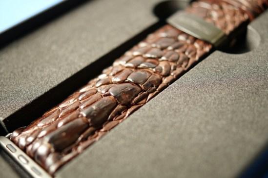 Mintapple Genuine Crocodile Apple Watch Strap 01