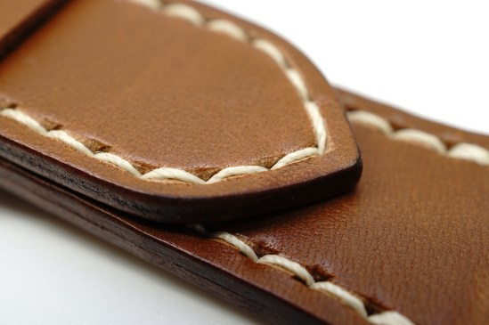 outline-leather-satchel-brown-apple-watch-strap-04