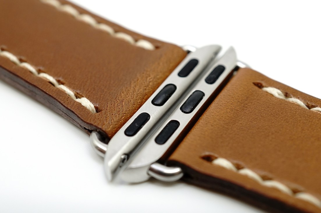 outline-leather-satchel-brown-apple-watch-strap-13