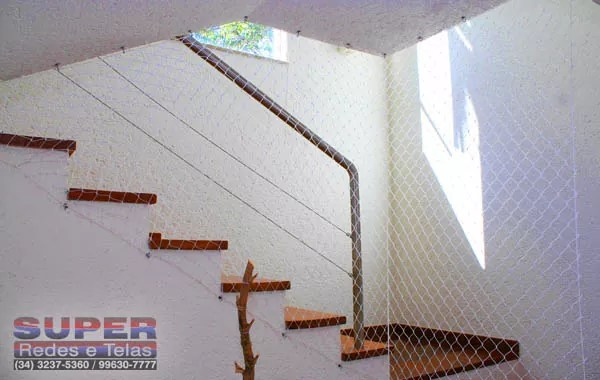 redes-de-proteção-para-escadas