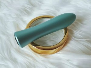 FemmeFunn Bougie Bullet powerful aluminum vibrator review 1