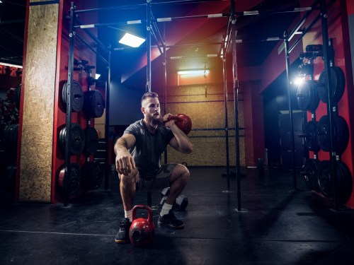 Kettlebell Single Squats. Kettlebell Workshop. Kettlebell training. Kettlebell moves. Resistance training. Endurance training. Cardio training.
