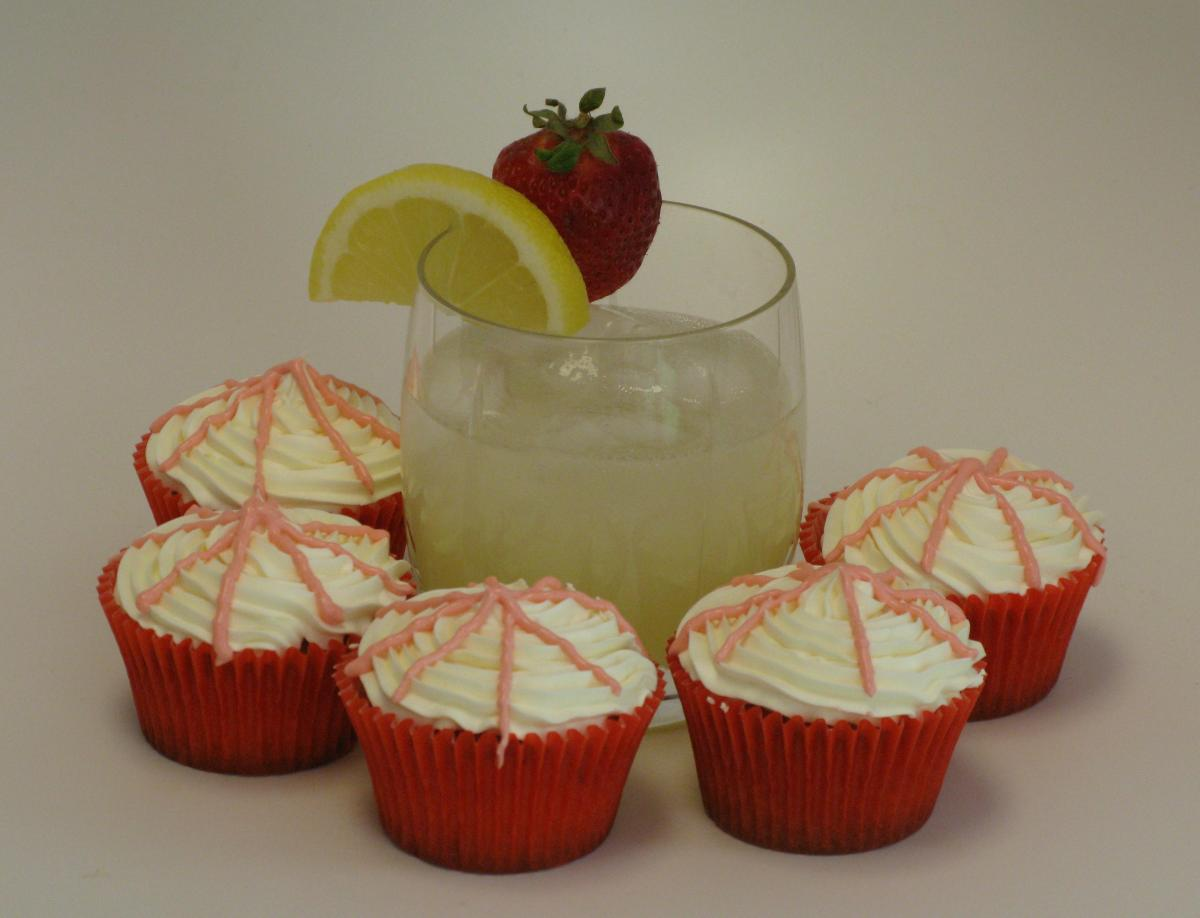 Strawberry Lemonade Cupcakes and Muffins