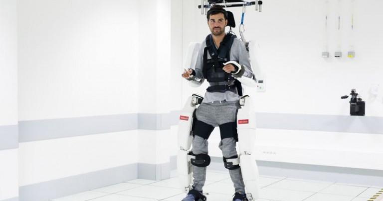 Exoesqueleto permite a tetraplégicos voltar a andar