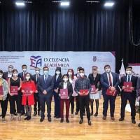 Galardona IPN a estudiantes con el más alto rendimiento académico