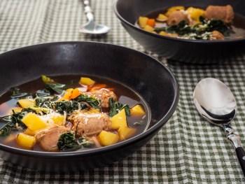 Toskanische Suppe mit Salsicce und Kohl