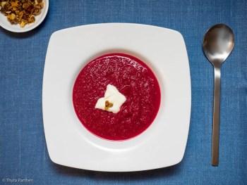 Rote-Beete-Suppe mit Lebkuchengewürz