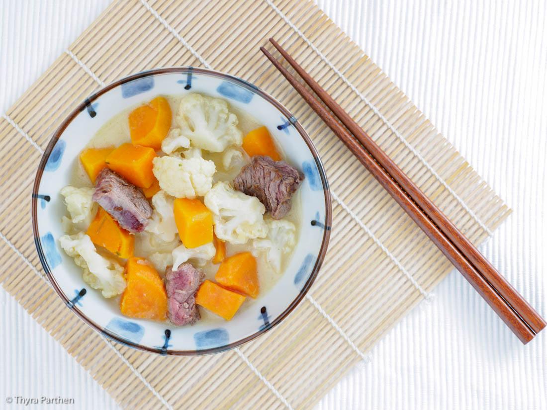 Süßkartoffel-Blumenkohl-Eintopf mit Rindfleisch