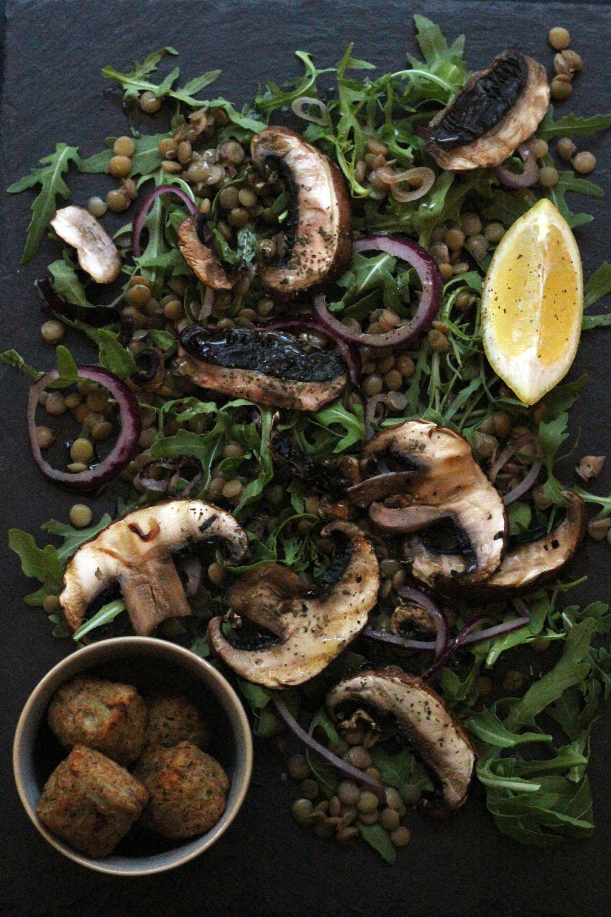 Portobello Mushroom and Lentil Salad with Lemon Dressing