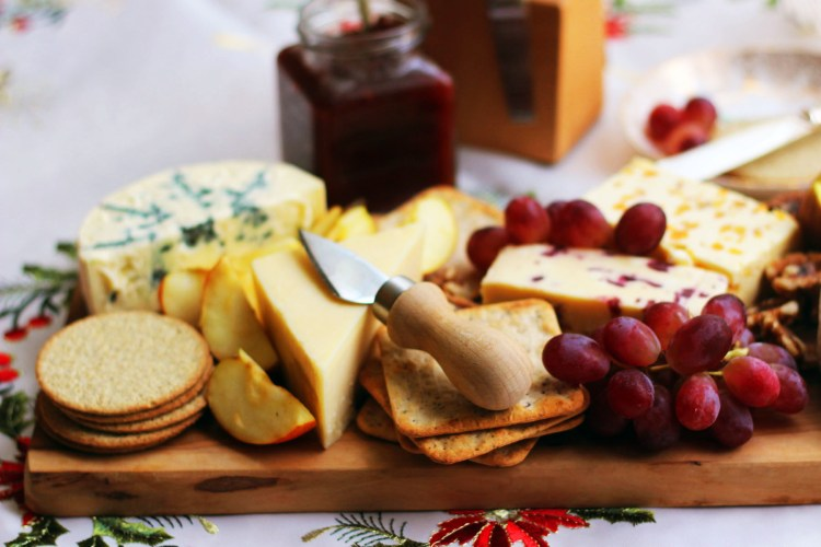 Putting together Christmas Cheese Board is easy with these tips