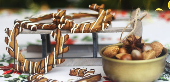 Santa could easily pull his sleigh with these adorable reindeer cookies from Supper in the Suburbs the cute cookies are made to a traditional German Lebkuchen recipe click here for the recipe