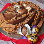 Creme Egg lovers will go crazy for this eggstravagent Creme Egg Bundt Cake. Recipe on Supper in the Suburbs