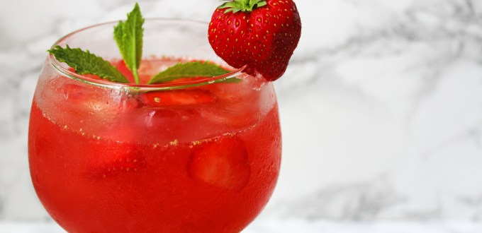 This Strawberry and Gin Smash is the perfect summer cocktail, ideal for slowly sipping in front of the Tennis when Wimbledon kicks off later this week! Get the recipe at Supper in the Suburbs!