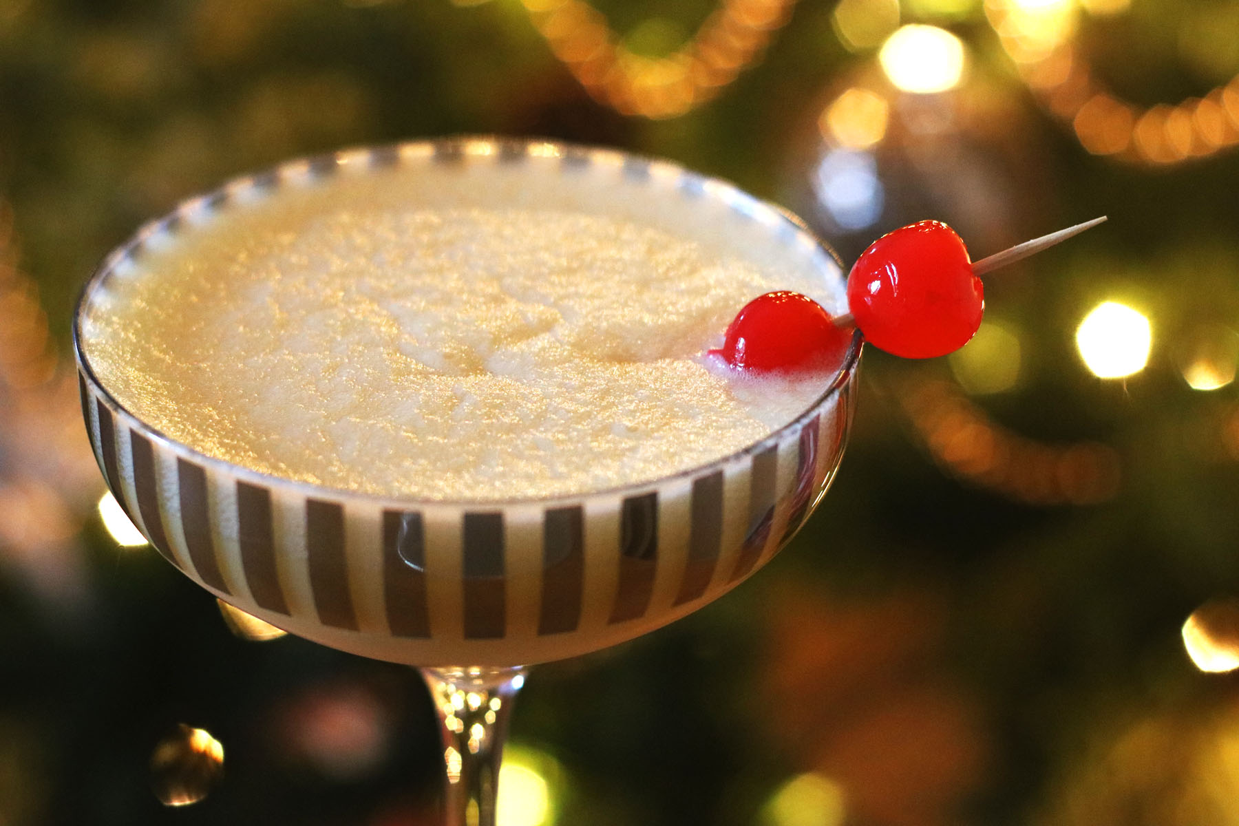 Snowflake Cocktail (Prosecco Snowball)