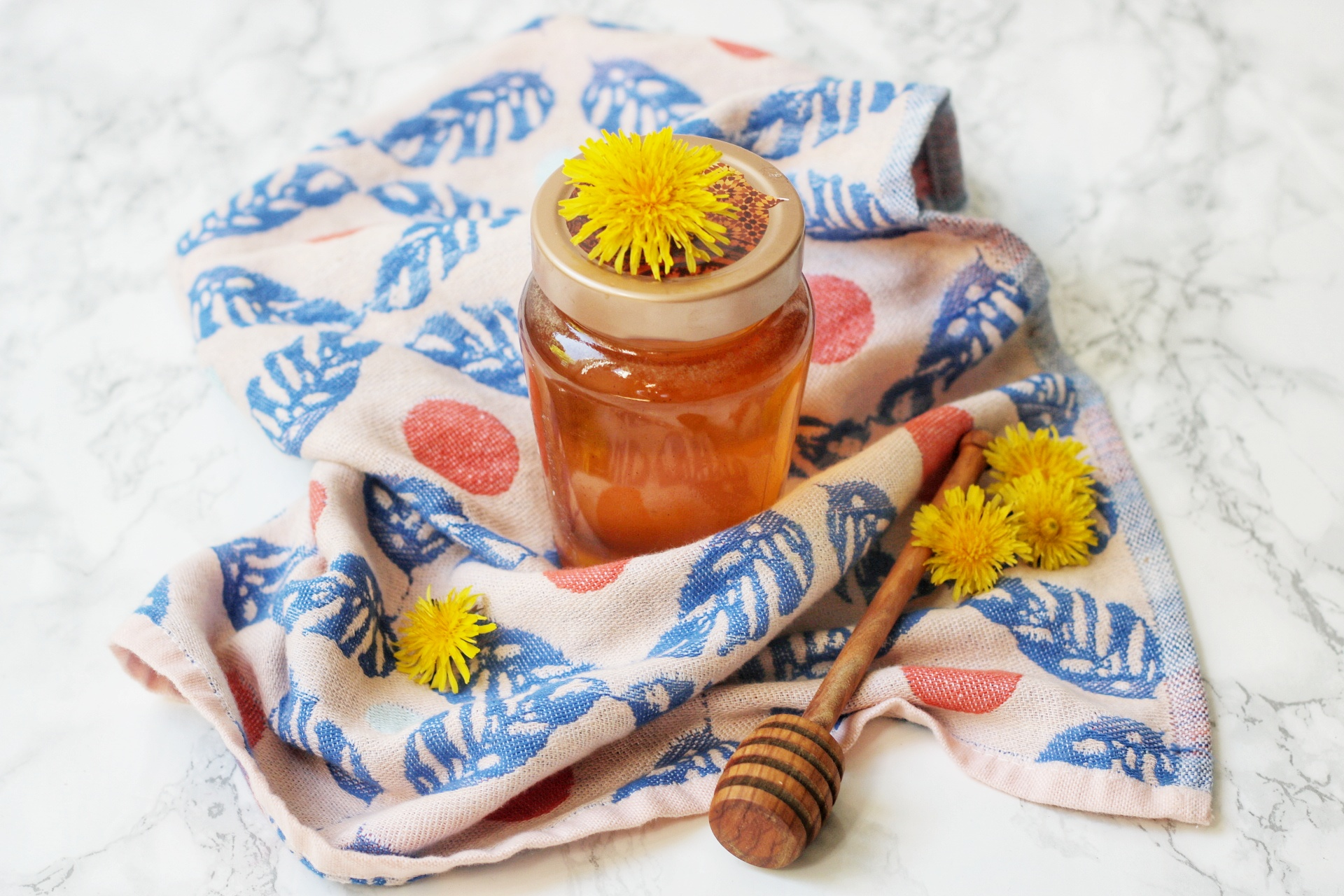 "Vegan Dandelion ""Honey"""