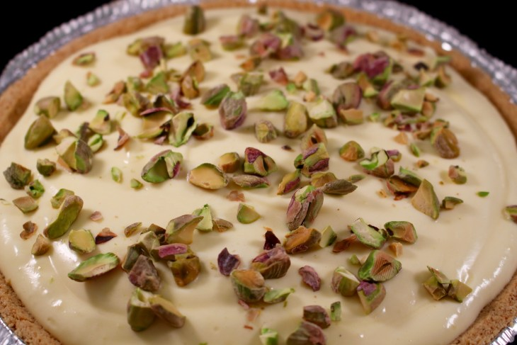 Chocolate Pudding Banana Pie with Pistachios