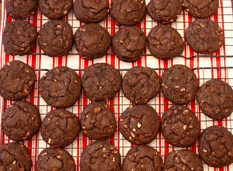 Chewy Chocolate Mint Cookies cooling on a cookie rack Top Down View