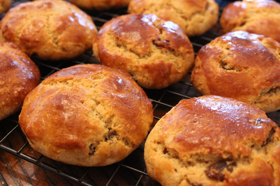 Irish Scones Raisins Cooling