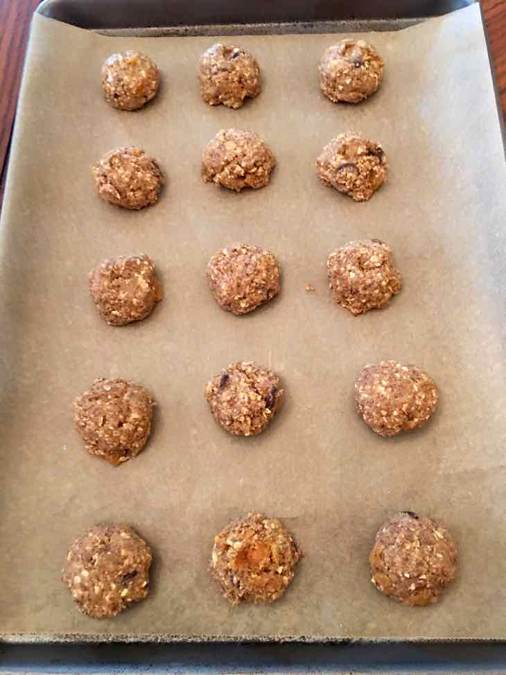 Healthy Oatmeal Raisin Cookie on baking pan before baking