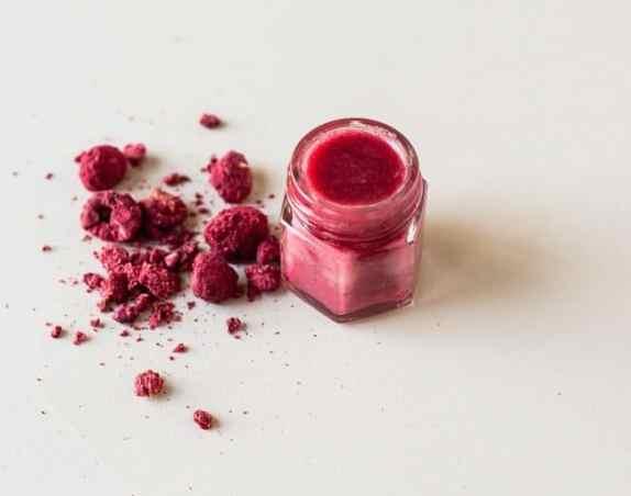 Red Raspberry SPF lip balm recipe