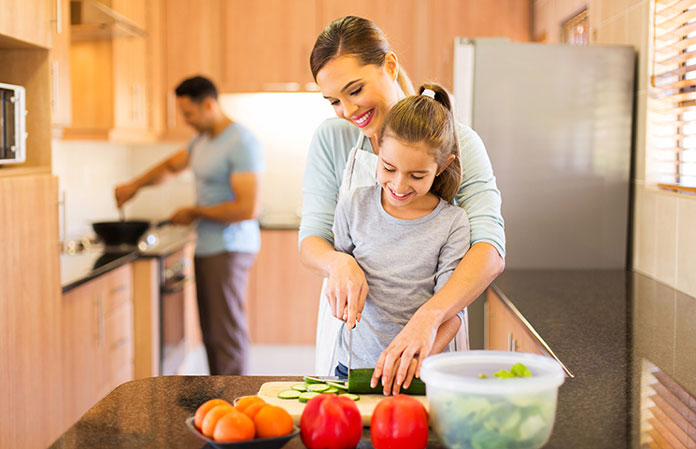 cooking-family-vegetables-vegan-fruits-healthy