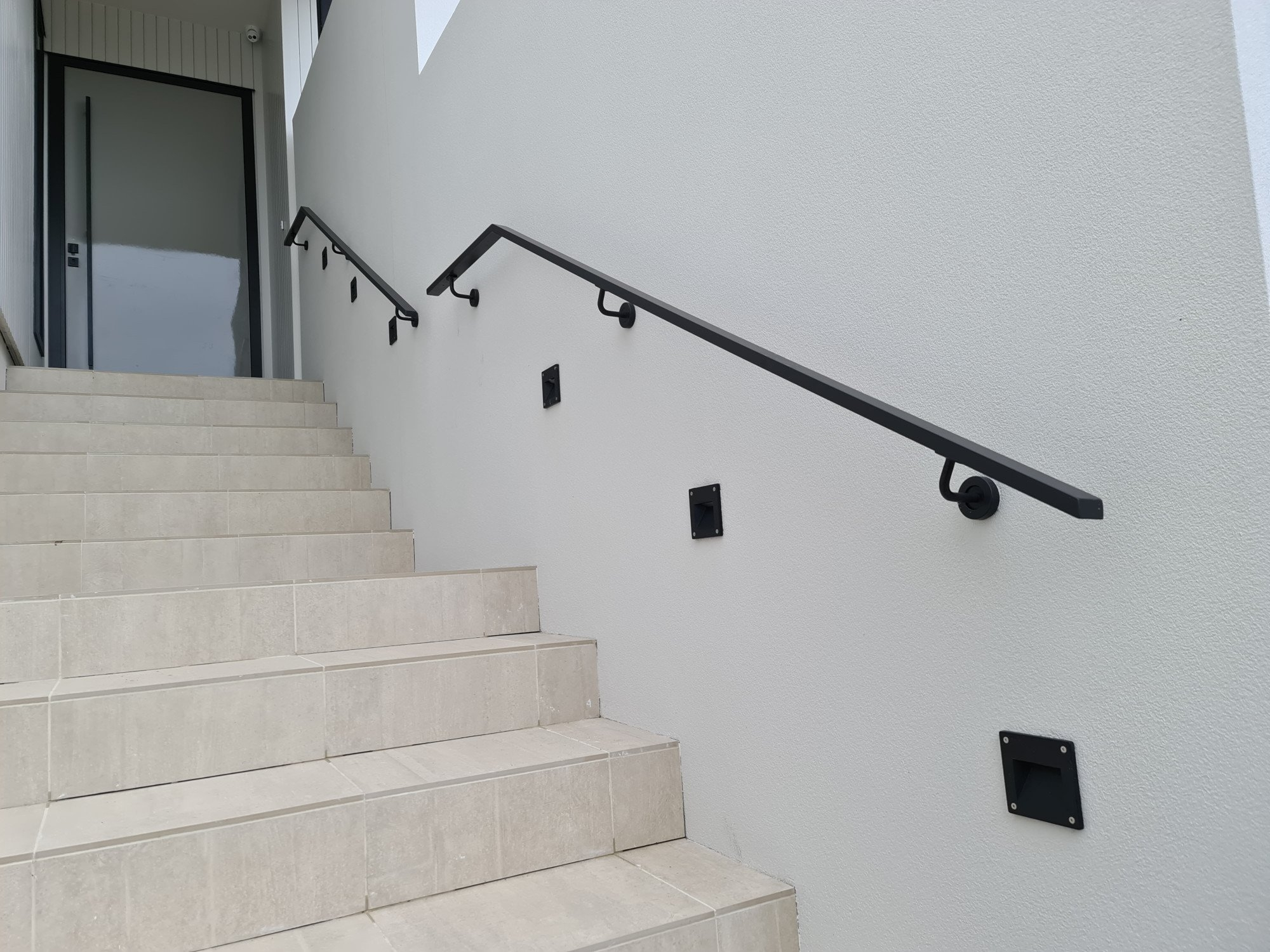 Handrail Gallery Supreme Balustrades   Aluminium Handrails For Stairs   Outdoor   Plastic   Movable   Aluminum Oval Shaped   Vertical 6Mm Ss Rope Glass