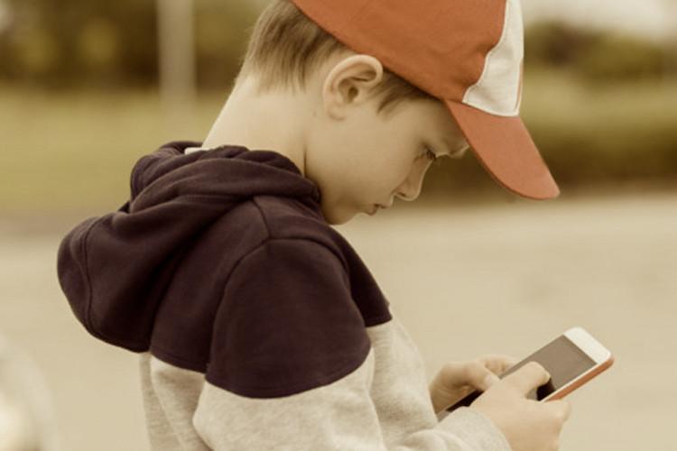 Smartphones causam vicio as crianças