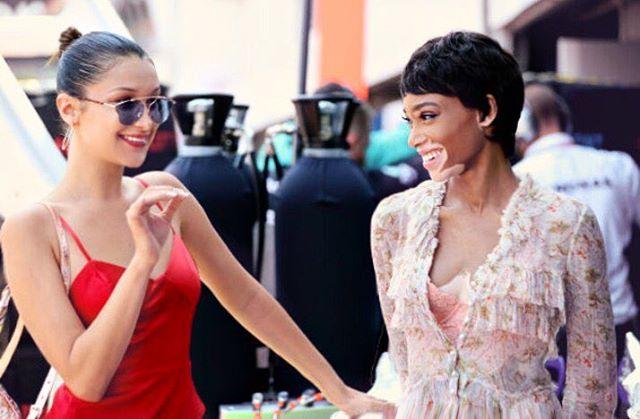 Modelka s kožní vadou boduje, paří v Monte Carlu s Bellou Hadid