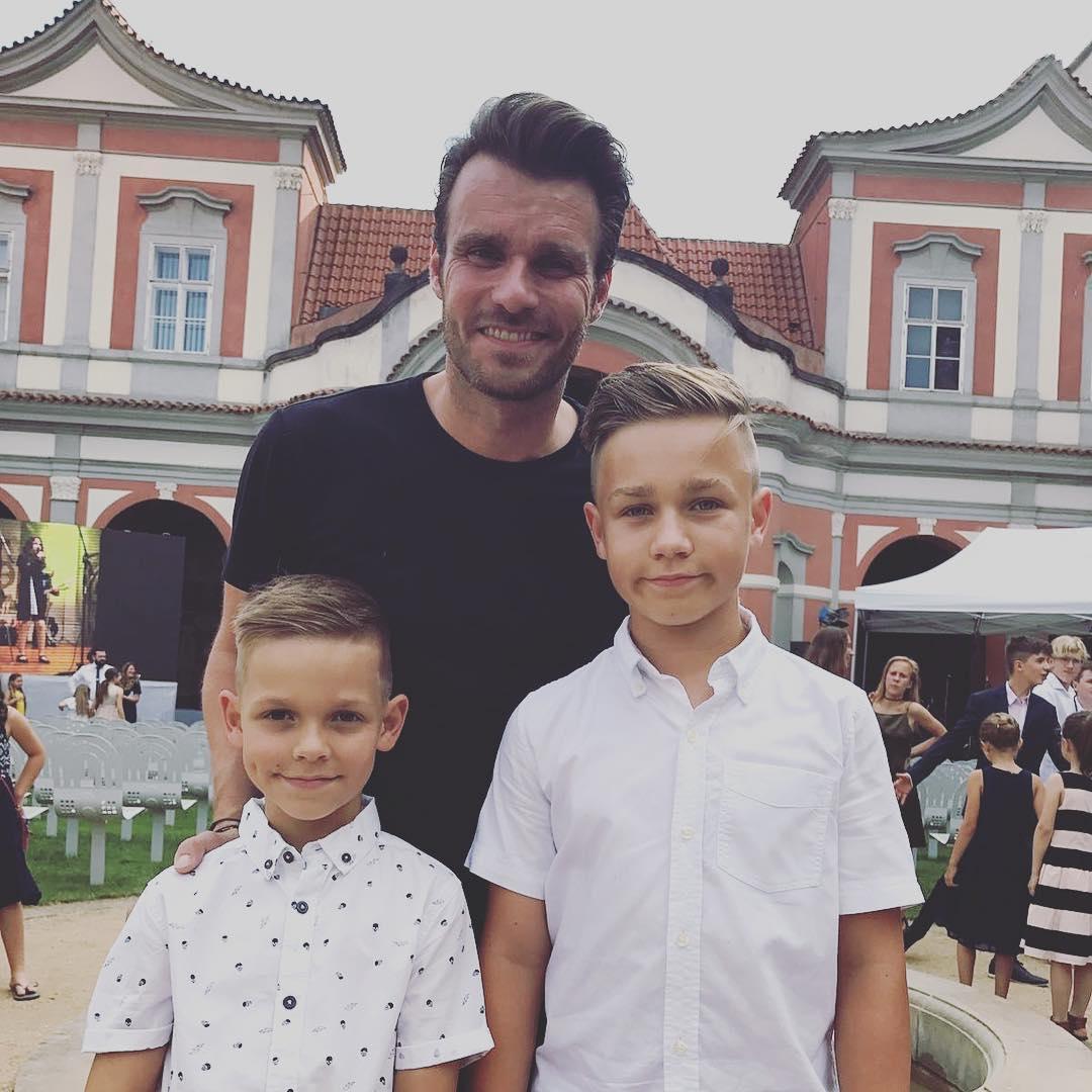 Starší synek Leoše Mareše jde na gymnázium, tatínek prý na něj nemá příliš času...