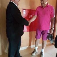 Chce nám něco sdělit? Václav Klaus opět v růžové...