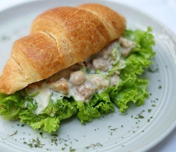 Cailano Chicken Sandwich Croissant