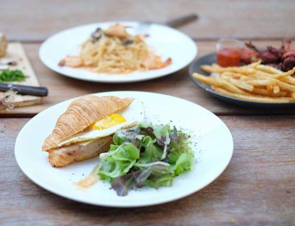 Caturra Espresso Ham, Cheese, & Egg Croissant