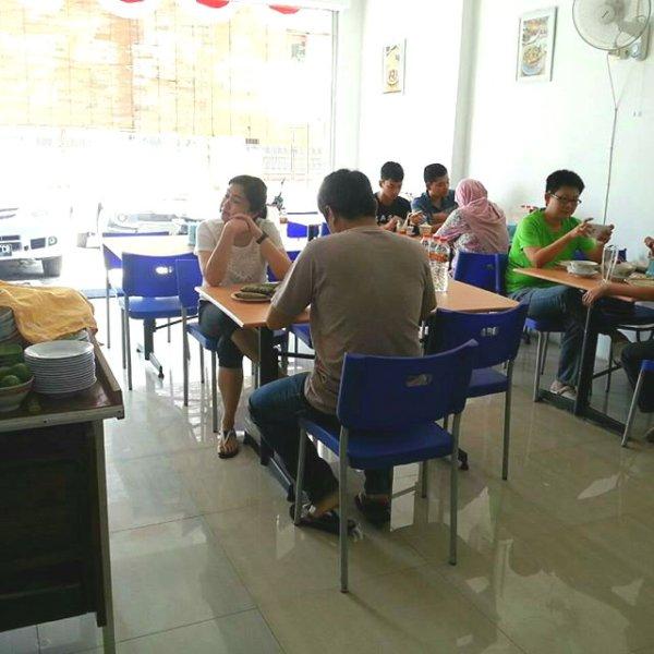Daeng Rewa inside2