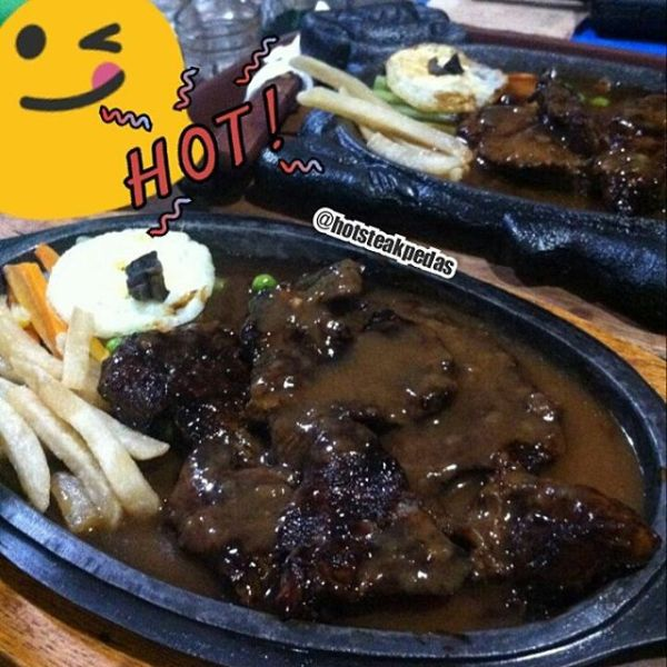Hot Steak Pedas sirloin steak premium