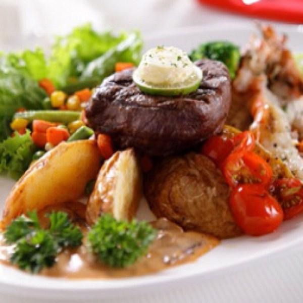 Bovin & Lynette combo steak
