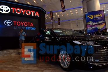 Toyota Camry terbaru yang dipamerkan di GIIAS 2019 Surabaya. (FOTO : parlin/surabayaupdate.com)