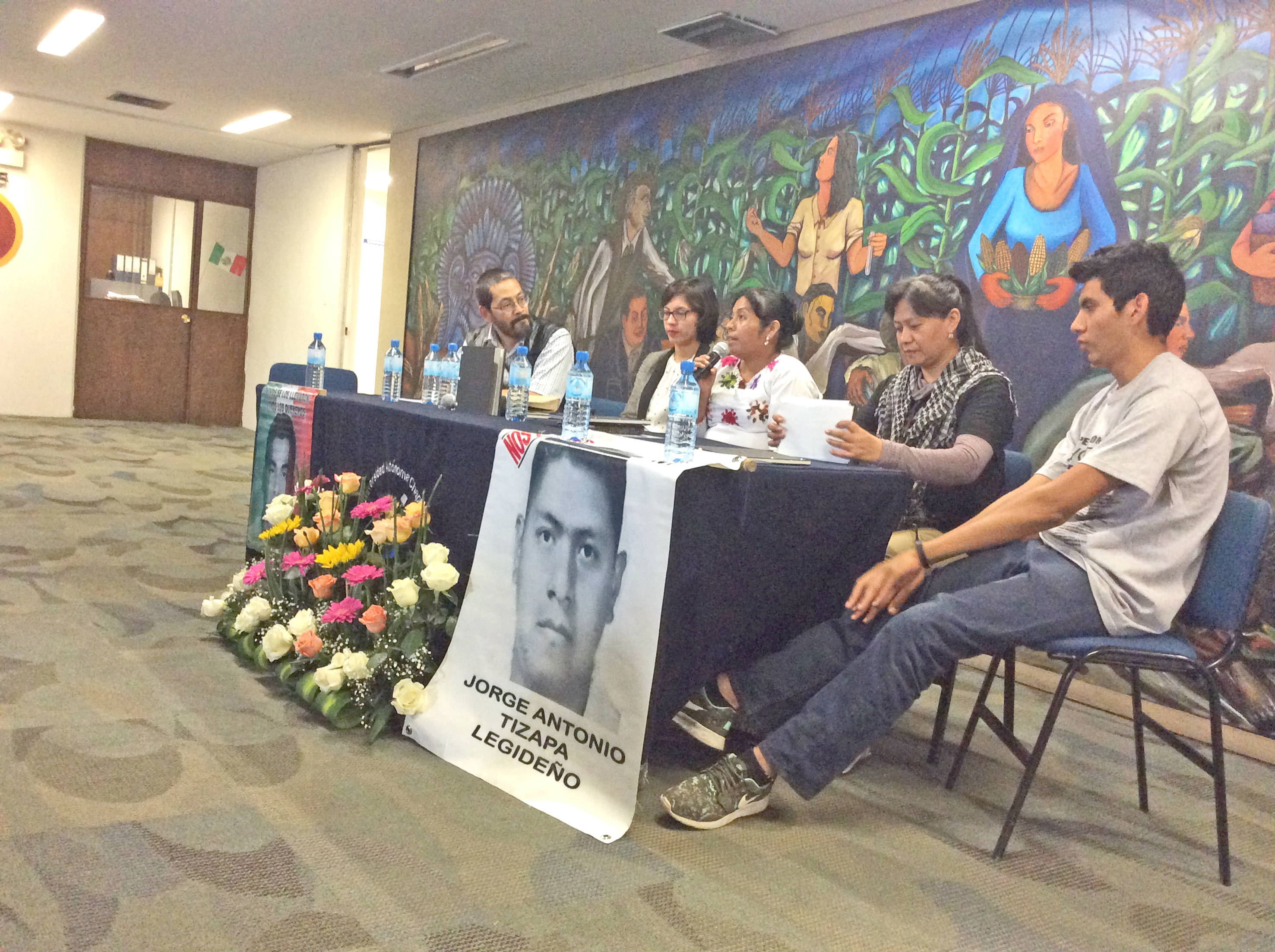Vania-Libro-Ayotzinapa5-color rr