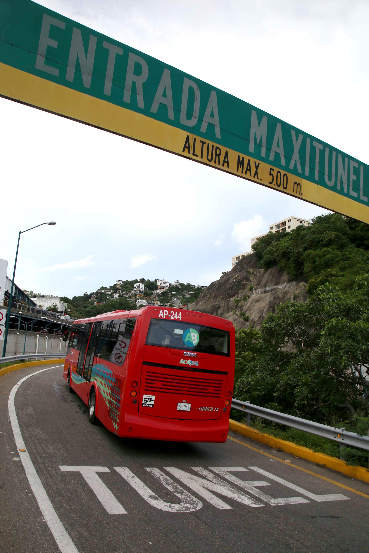 7-09-2017 Acapulco, Gro. Aspecto de una unidad del Acabus en donde desde el día lunes se inició una ruta que va desde Las Cruces a El Coloso. Foto: Carlos Alberto Carbajal