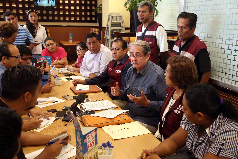 11-09-2017 Acapulco, Gro. El enlace nacional de MORENA en Guerrero Cesar Núñez Ramos en la conferencia de prensa que encabezo con integrantes de ese partido en Acapulco .Foto: Carlos Alberto Carbajal