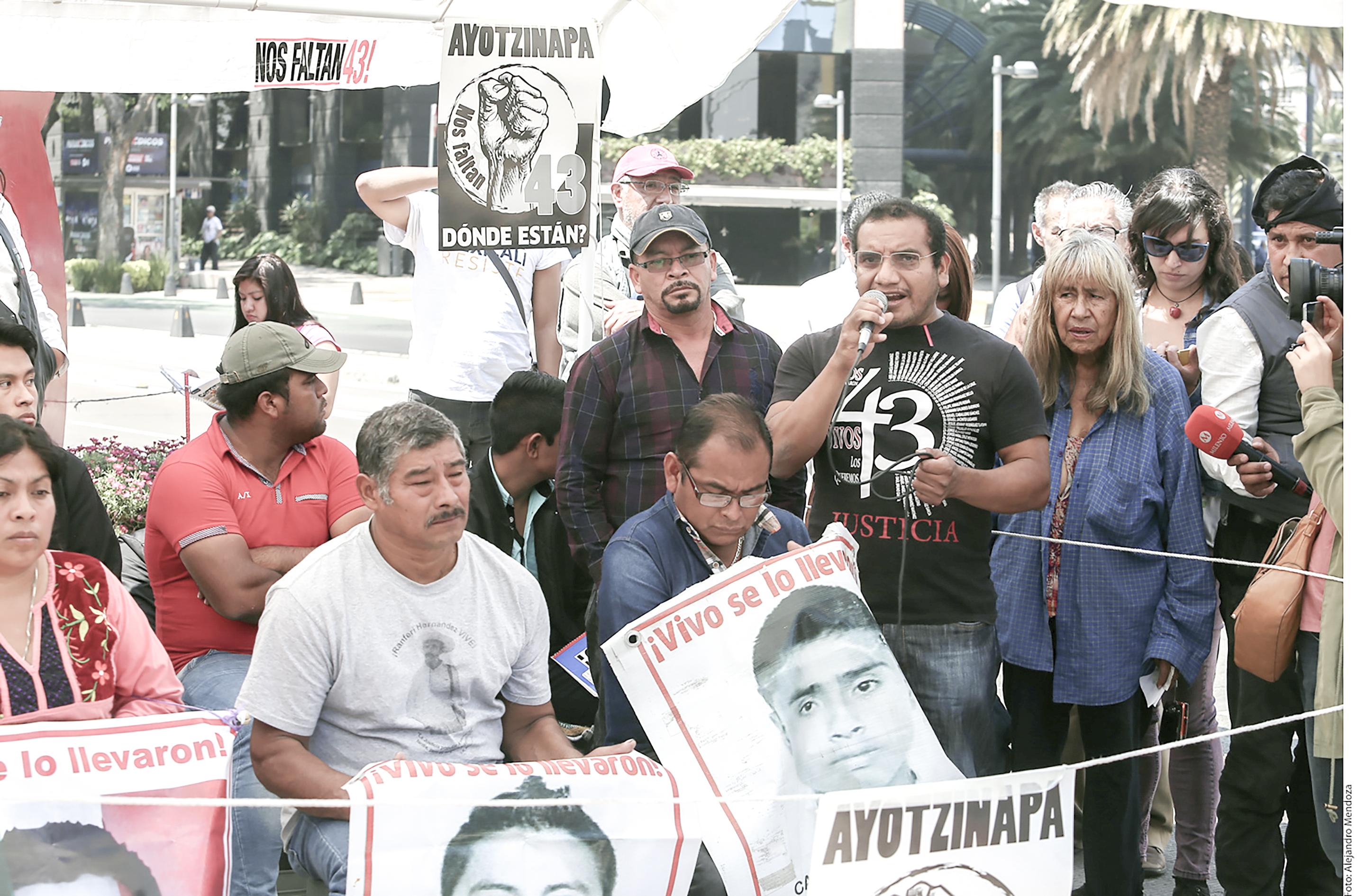 Ayotzinapa Padres Agencia Reforma