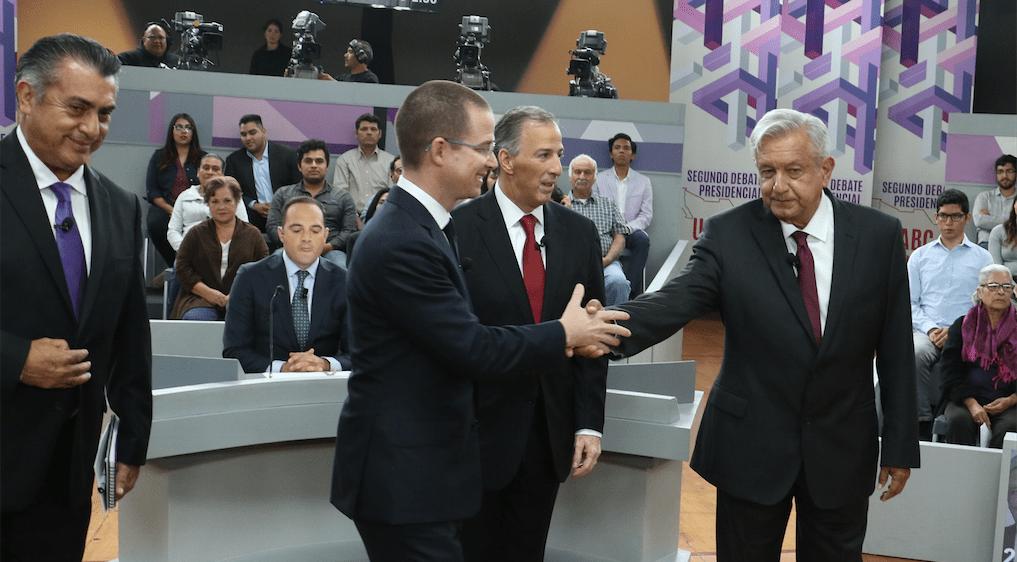 López Obrador estrena cartera previo al tercer debate