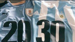 La asignación de la sede del Mundial de futbol del2030 debería adelantarse para 2020 en lugar de 2022 estimaron este miércoles en Asunción autoridades deportivas de Uruguay, Argentina y Paraguay que aspiran a albergar esa competencia.