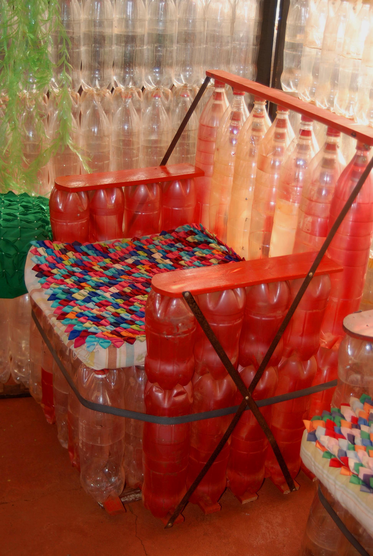 El silln de botellas  Suramericaencleta