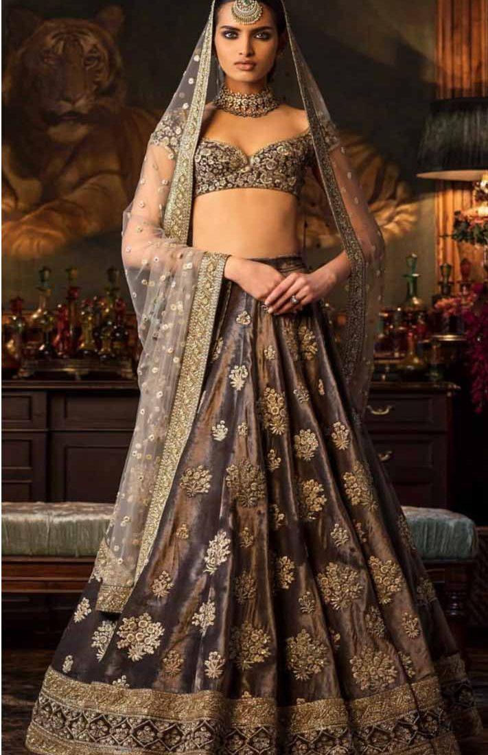 53c6285044 Surat Textile Hub krishna export pressent bollywood Designer Bridal ...