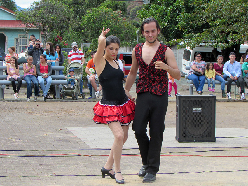 Comunidad de Dota celebra la vida en festival cultural9