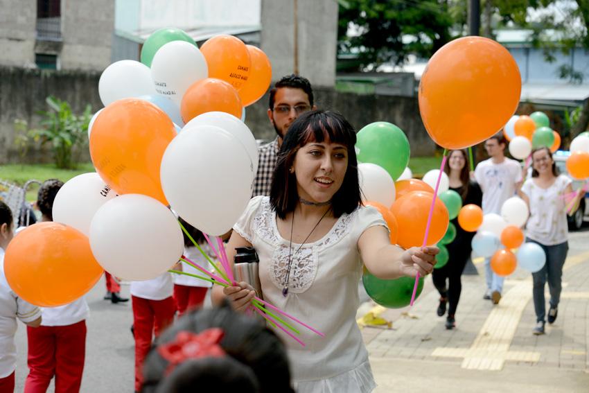 UCR celebra la caminata Un Abrazo Mundial12